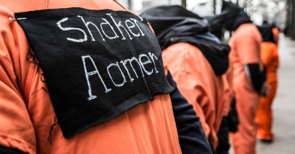 Demonstrators call for the release of cleared Guantanamo Bay detainee Shaker Aamer. (Photo: Justin Norman/flickr/cc)