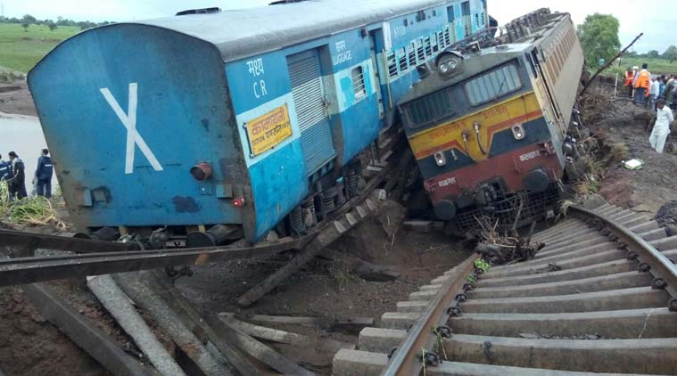 trains derail MP
