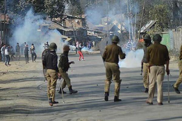 Kashmir truck attack victim dies
