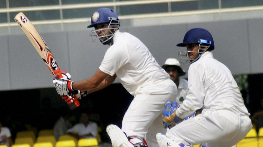 Shishir Bhavane held Karnataka's innings together with a patient 65	© PTI