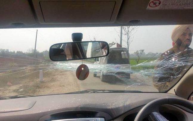 kejriwal-car-punjab